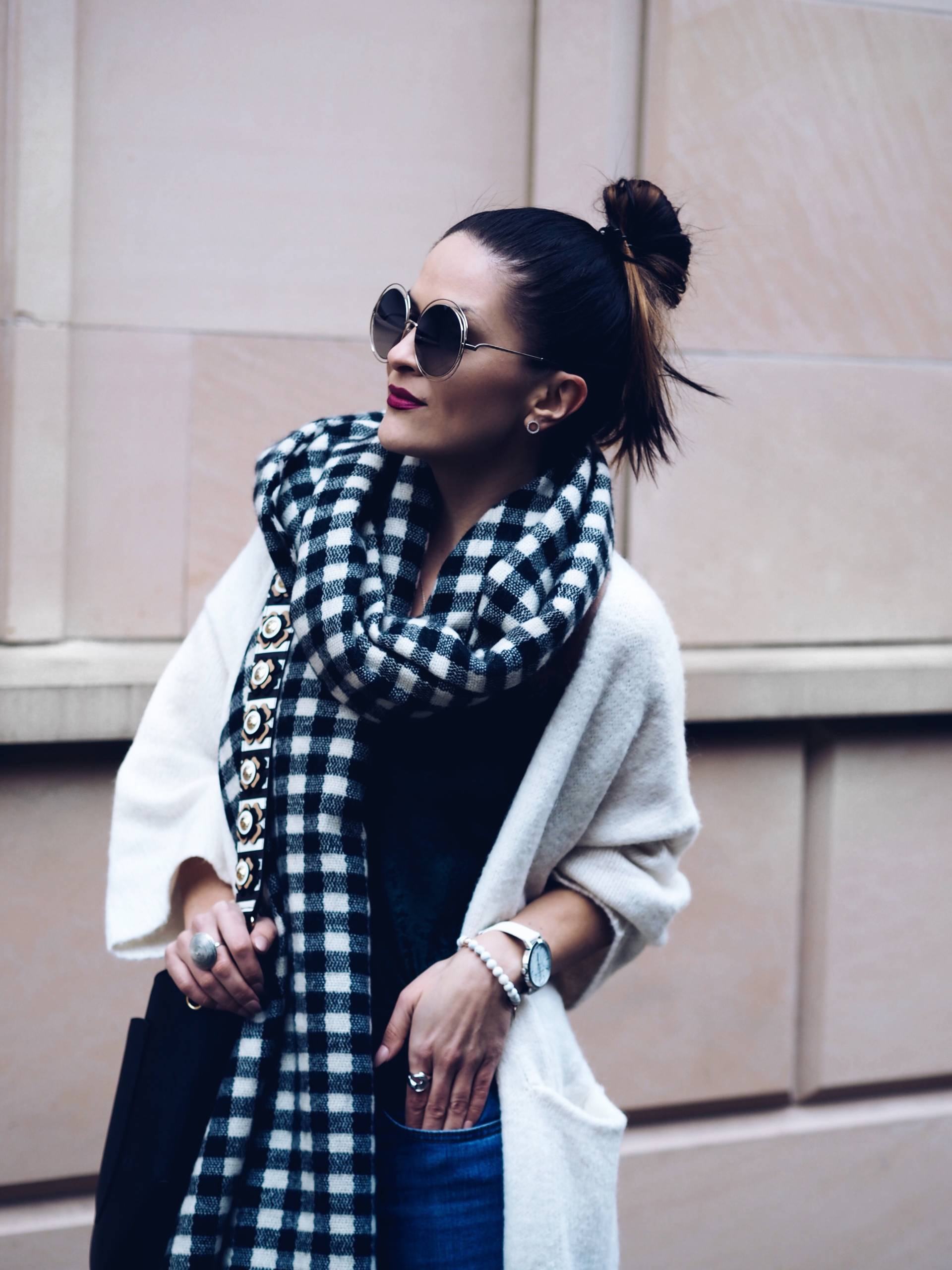 LAFOTKA FASHION BLOGGER WEARS HENRI BENDEL 2017 AND ZARA CARDIGAN STREET STYLE