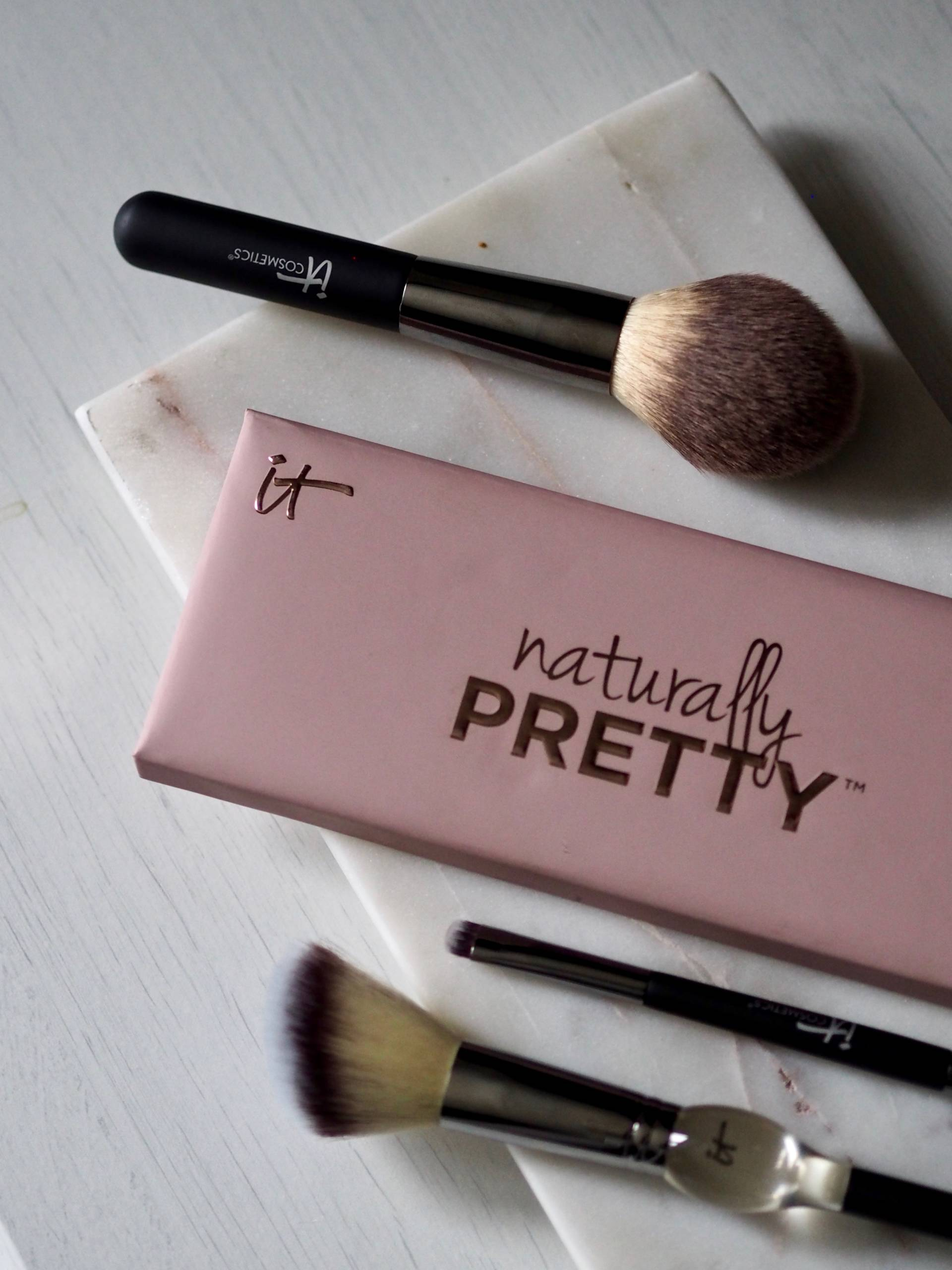 IT COSMETICS BRUSHES AND PRETTY EYE PALETTE