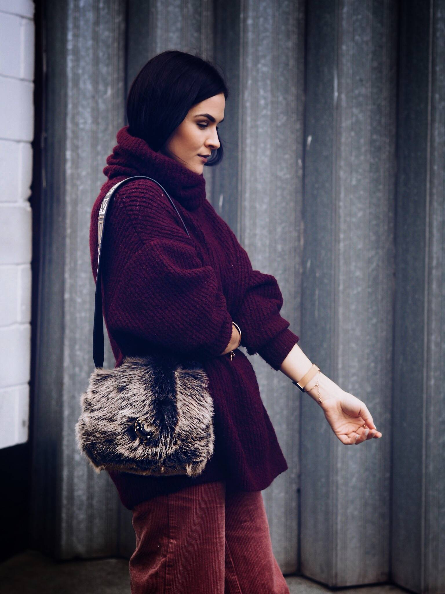 LAFOTKA CORDS AND BURGUNDY KNITWEAR - STREET STYLE WINTER