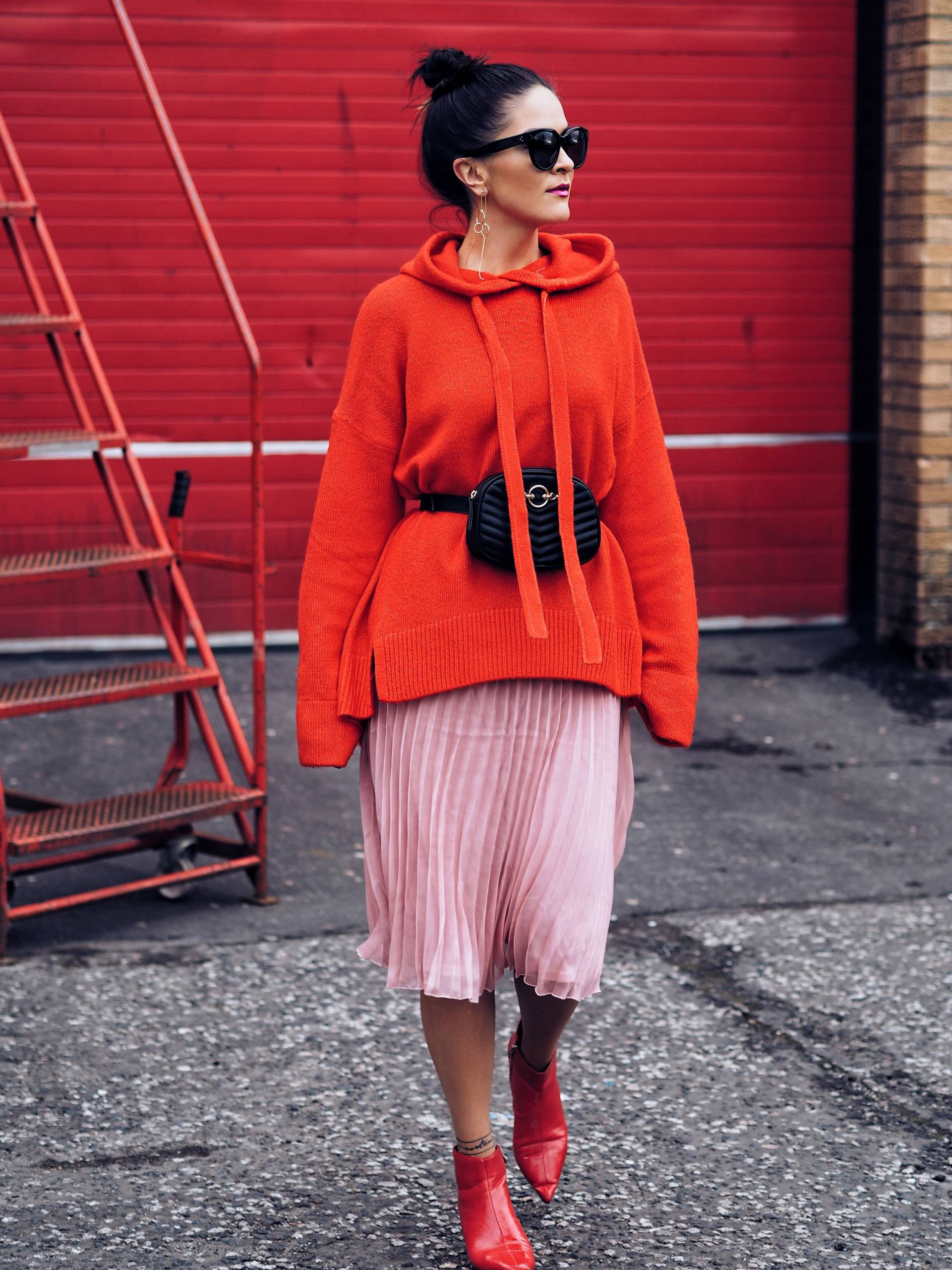 NYFW-RED-AND-PINK-TREND-STYLED-BY-UK-FASHION-BLOGGER-LAFOTKA-FOR-RADISSON-RED