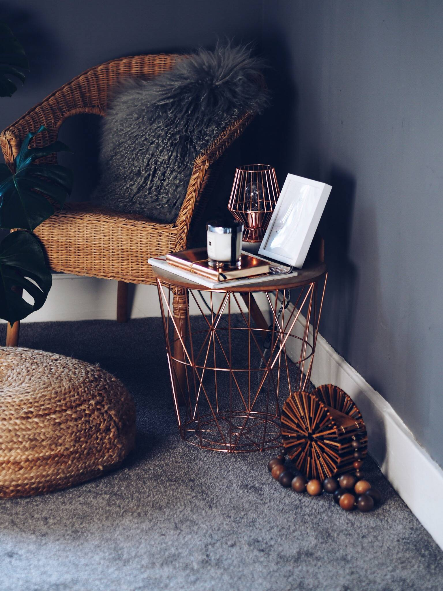 LAFOTKA-interior-inspiration-office-workspace-grey-gold-and-pink-lifestyle-blogger