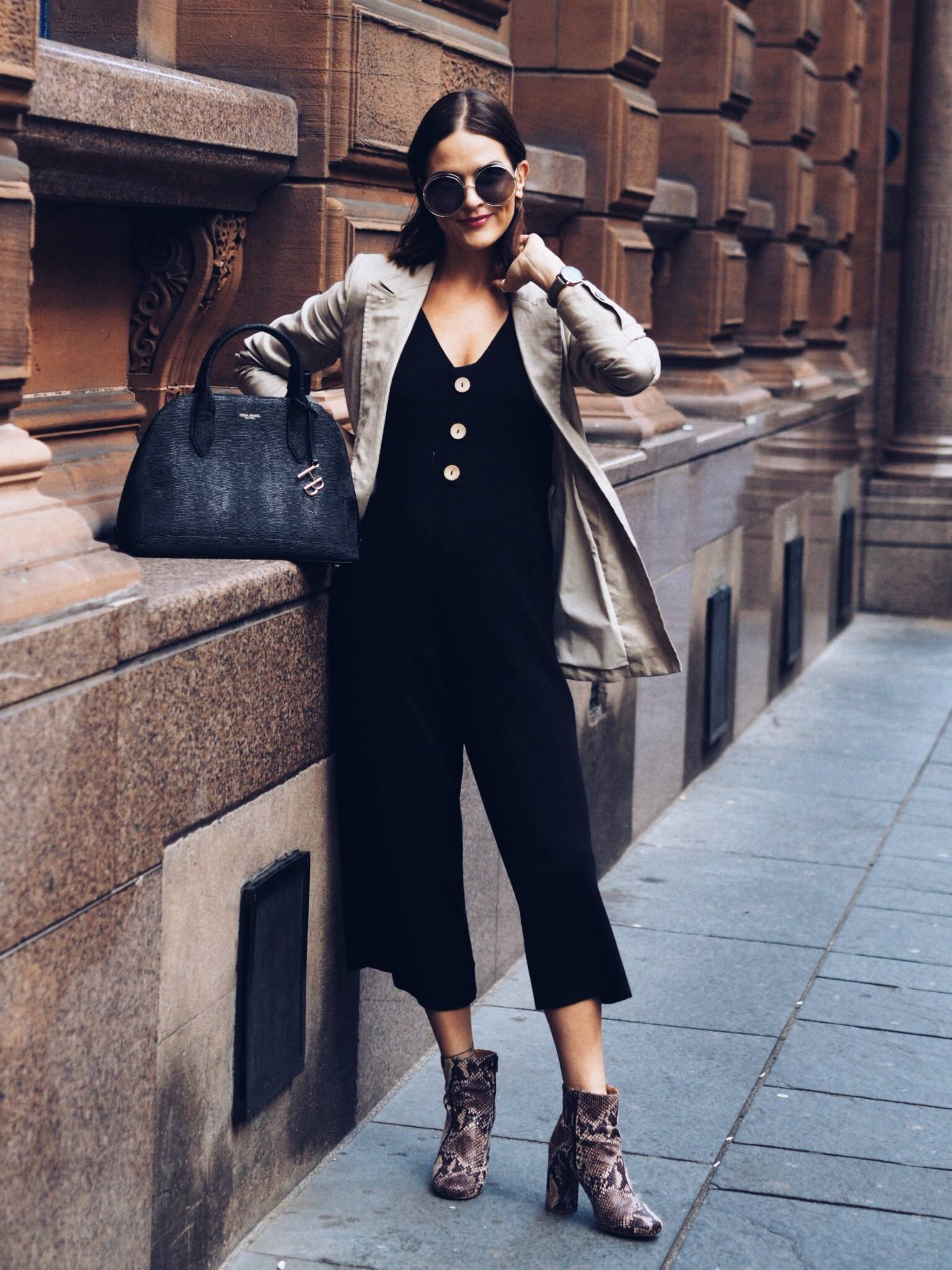 Styling-the-bump-at-18-week-fashion-blogger-lafotka