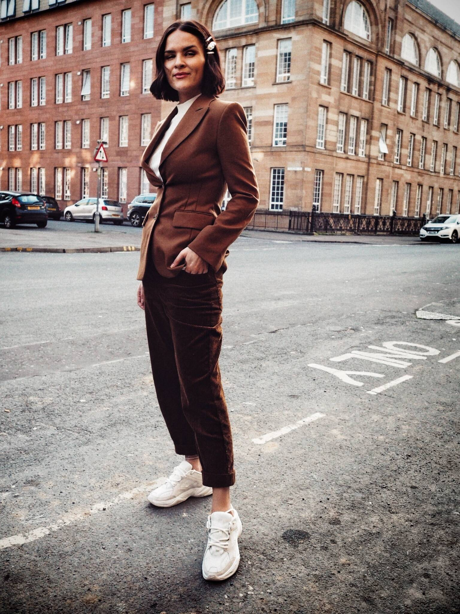 LAFOTKA-STEEET-STYLE-CORDUROY-AND-BROWN-BLAZER