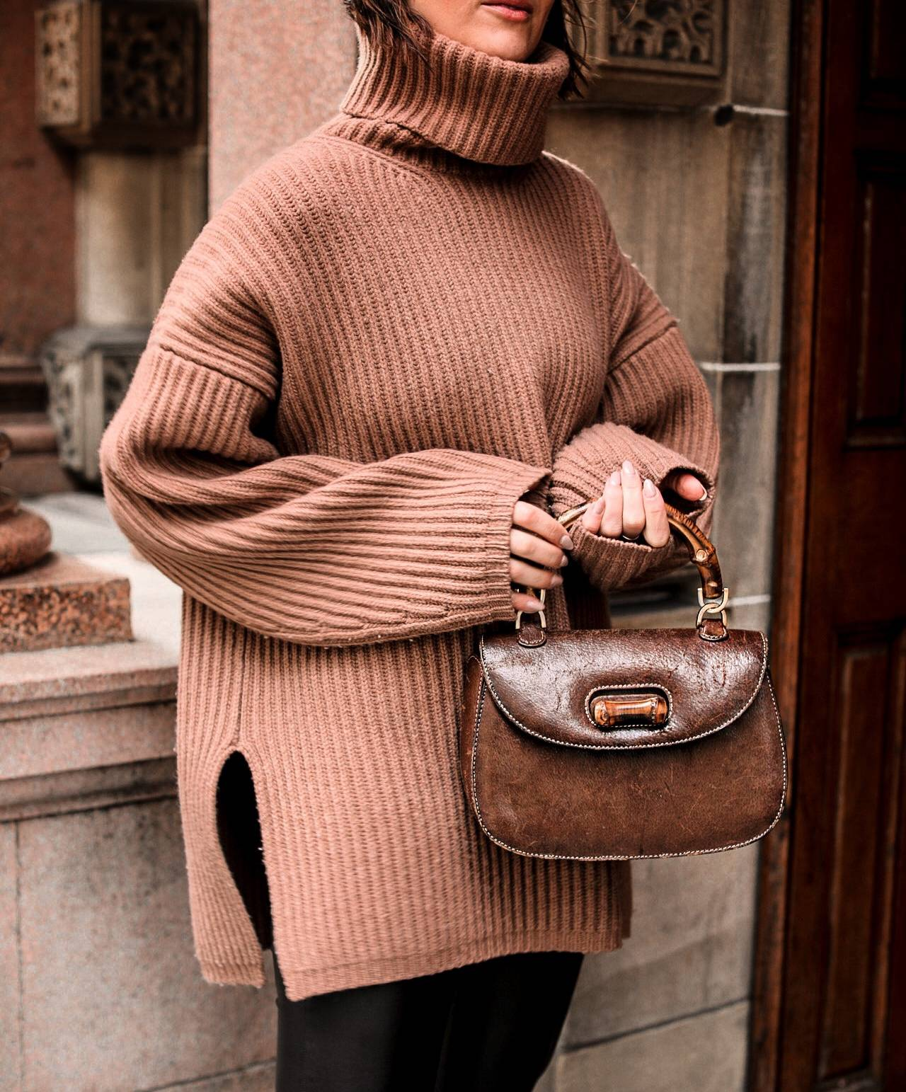 acne-studios-knit-and-vintage-gucci-bag-styling-LAFOTKA