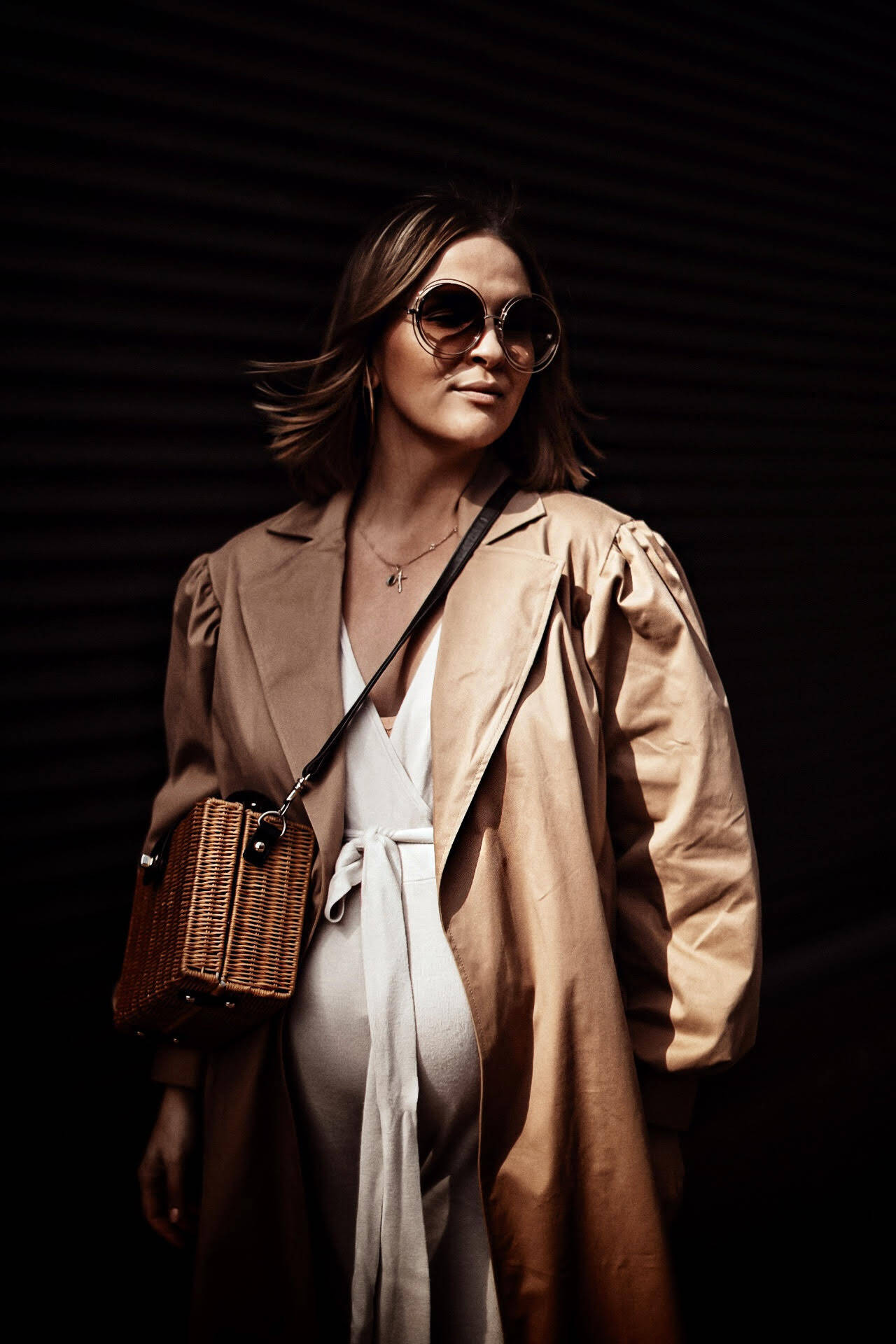TRENCH-PREGNANCY-STYLE-INSPIRATION